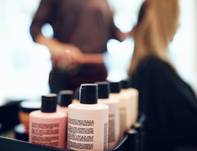 creare una linea di prodotti personalizzati per parrucchieri